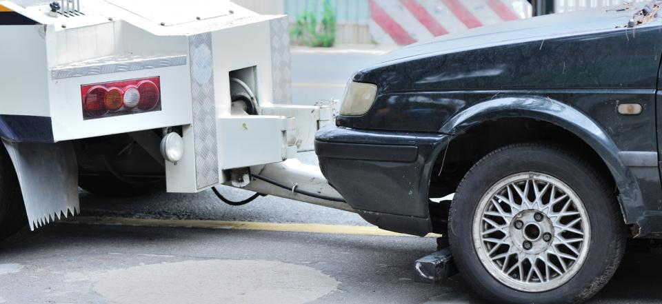 We provide light and medium duty towing services round the clock!